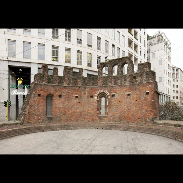 Abside in Piazza Missori
